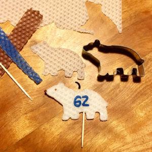 抜き型で作るケーキピックキャンドル